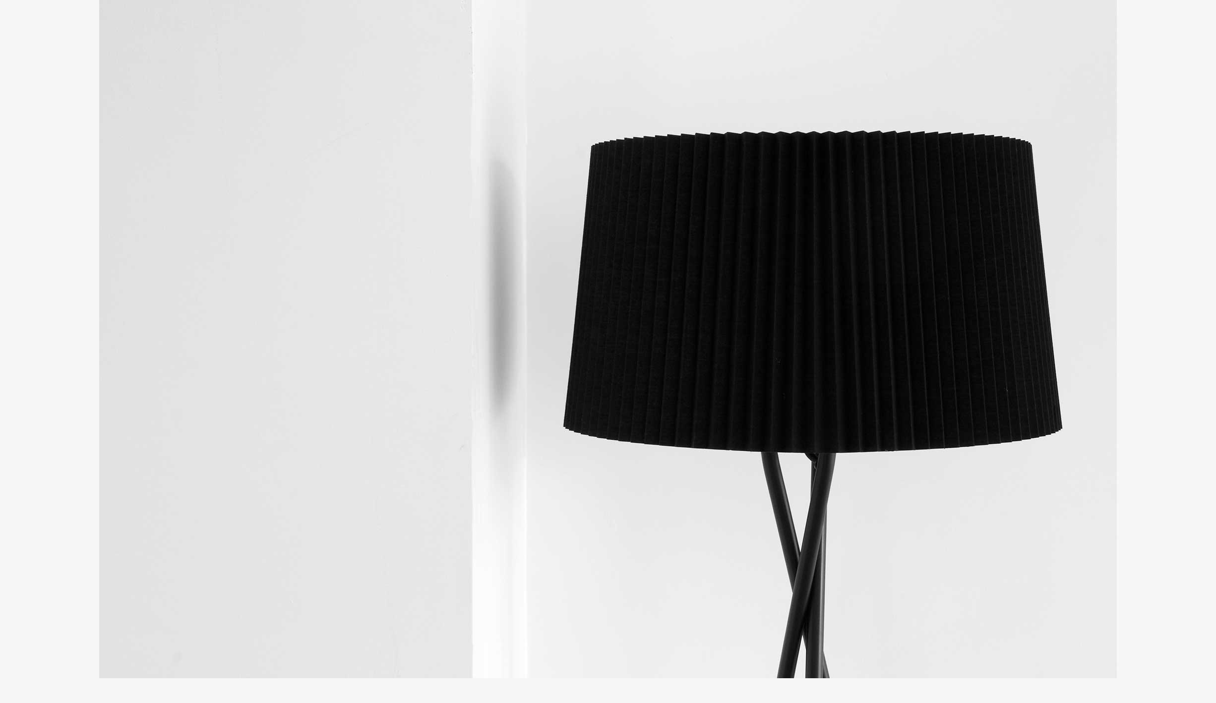 Private home - details lamp